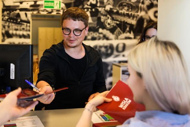 Jarosław Królewski walczy o dobry wynik sprzedażowy Wisły Kraków