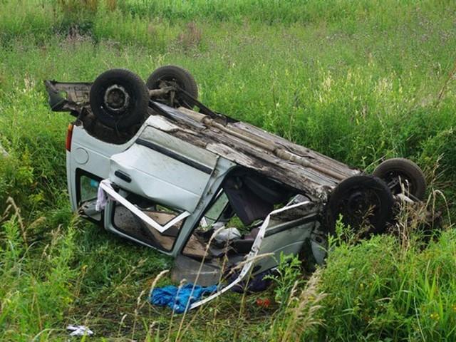 Pijany kierowca dachował
