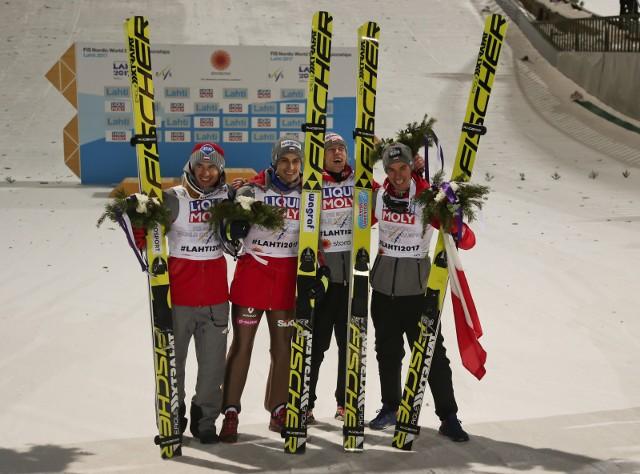 Drużyna mistrzów świata z Lahti. W MŚ w lotach w Oberstdorfie skład jest nieco inny - Stefan Hula zastąpił Macieja Kota