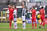 Sandecja Nowy Sącz wraca do ligowej rywalizacji. W niedzielę gra z Widzewem Łódź