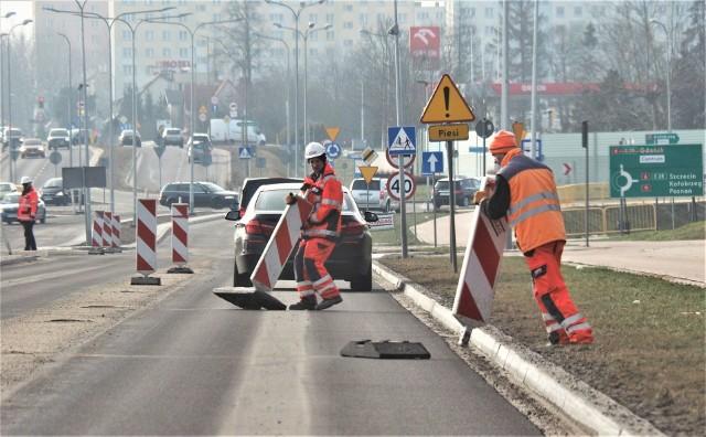 Uwaga kierowcy, w najbliższą środę spodziewane są spore utrudnienia w ruchu na ul. Władysława IV w Koszalinie.