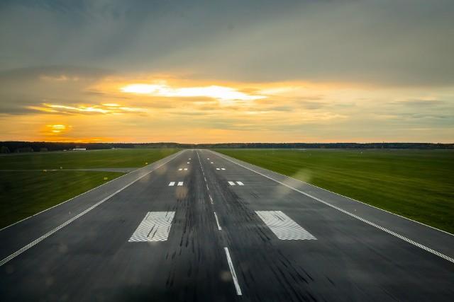 Loty do Warszawy będą odbywać się dziesięć razy w tygodniu.