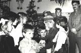 Kiedyś to były święta... Zobacz, jak wyglądało Boże Narodzenie w czasach PRL na zdjęciach z lat 70. i 80. [ARCHIWALNE ZDJĘCIA]
