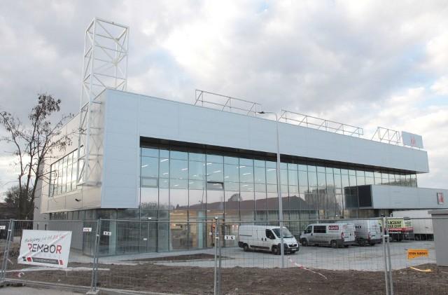 W nowej placówce wielkopowierzchniowej w Galerii Nad Potokiem w Radomiu trwają obecnie ostatnie prace wykończeniowe i porządkowe.