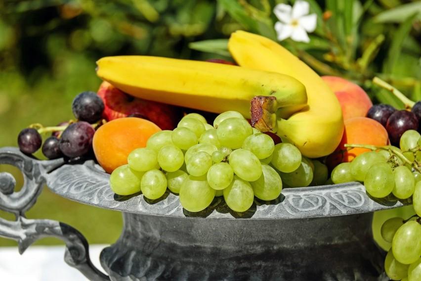 Nowa Piramida Zdrowego Żywienia i Stylu Życia Dzieci i Młodzieży. Owoce i warzywa nadal rekomendowane