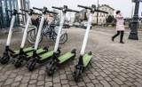 """Powiat chełmiński. Pijani, po narkotykach jeżdżą rowerami, hulajnogami, kręcą """"bączki"""""""