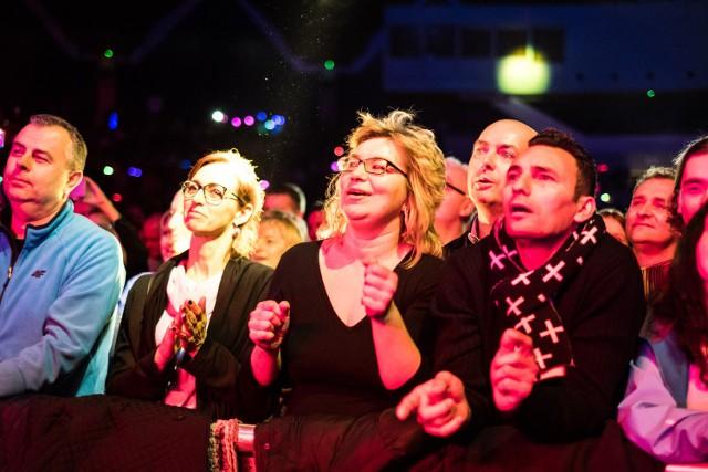Tłumy bawiły się w Arenie przy przebojach disco lat 80.