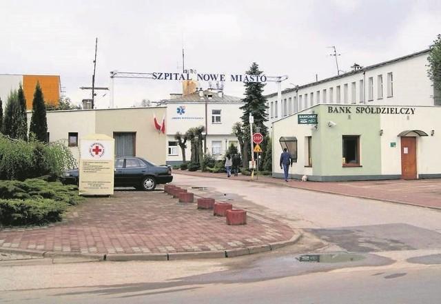 """W szpitalu w Nowym Mieście nad Pilicą, który przez kilka miesięcy pełnił funkcję placówki """"covidowej"""" nie ma już ani jednego zakażonego pacjenta."""