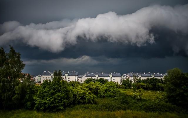 11 września w całym woj. kujawsko-pomorskim mogą wystąpić burze z gradem i silny wiatr oraz lokalnie grad.