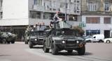 Celebryci w wojskowych pojazdach przemknęli ulicą Piotrkowską [zdjęcia]