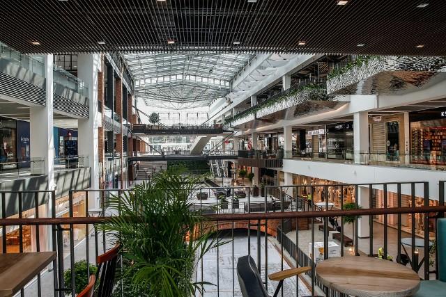 Potrzeby klientów to jedno, ale na wygląd i funkcjonalność centrum handlowego coraz bardziej wpływają nowinki technologiczne.