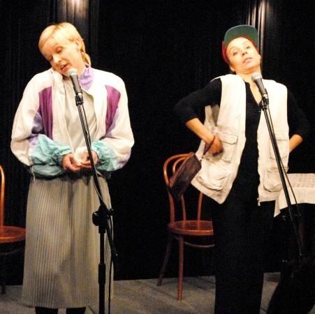 Słoiczek po Cukrze to na scenie: Małgorzata Szapował i Magdalena Mleczak oraz ukryty gdzieś na kulisami Łukasz Taraska, pełniący funkcję tzw. technicznego