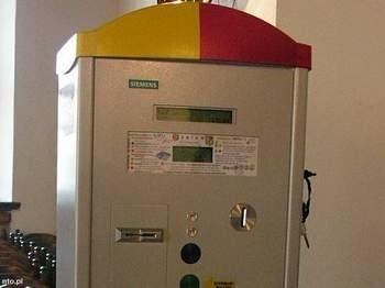 Od 1 listopada 2011 r. za postój zapłacą wszyscy kierowcy, którzy zostawią swoje auta na terenie starego miasta. fot. jar/nto