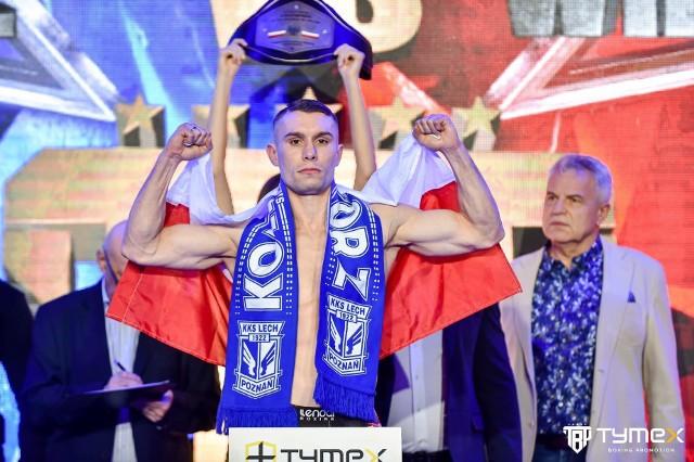 Na ważeniu i na ringu w Pionkach pewnie znów zobaczymy Damiana Wrzesińskiego w szaliku Lecha Poznań