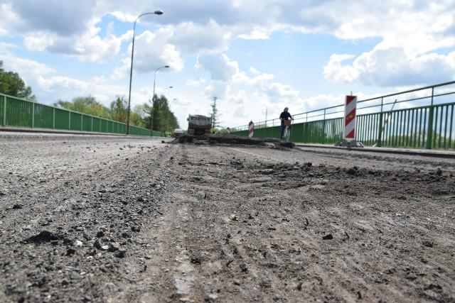 Most w Ostrowie przechodził dotąd doraźne naprawy (ostatni raz przed rokiem). Nie uchroniło go to jednak przed zamknięciem