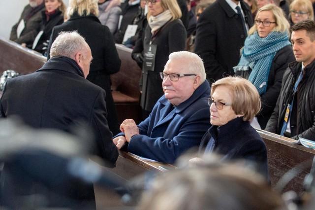 Politycy, samorządowcy, społecznicy na pogrzebie prezydenta Gdańska