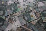 """""""Budżetówka"""" może być spokojna o pieniądze . Trzynasta pensja będzie wypłacona jak co roku"""
