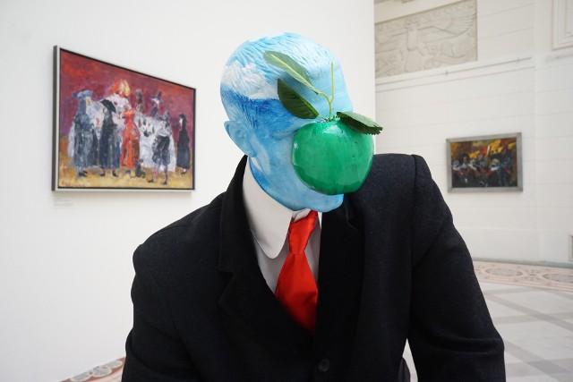 """Na wystawie """"Piotrowicz i goście"""" zobaczymy prawie 230 prac tego artysty"""