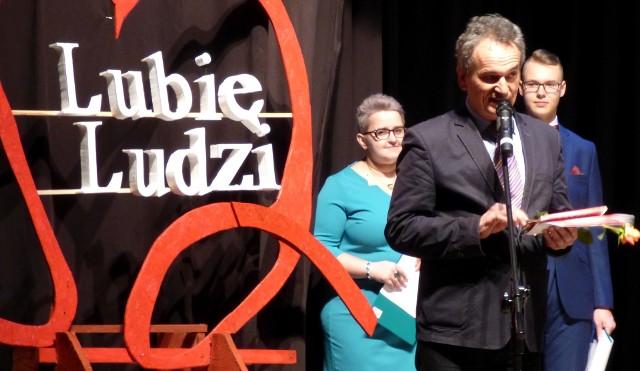 Podziękowania za wsparcie Szlachetnej Paczki otrzymał na niedzielnej gali także Jarosław Miszczyk, kazimierski radny powiatowy i pedagog.