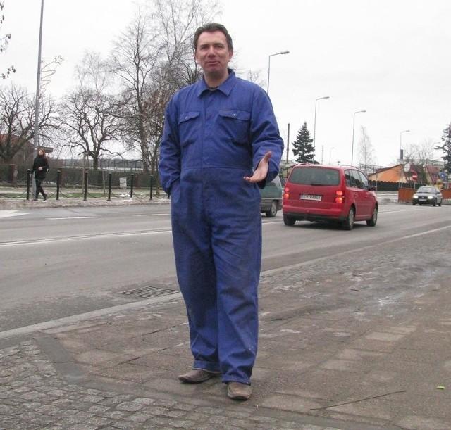 Ireneusz Stosik uważa, że policjanci wręczają mandaty tylko wybranym kierowcom.