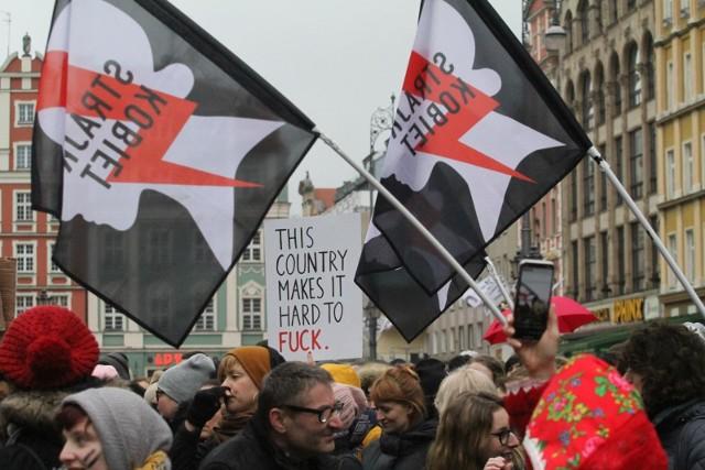 Protest Strajku Kobiet na wrocławskim Rynku.