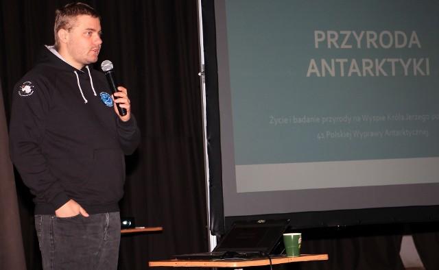 Damian Czajka - przyrodnik, ornitolog, ratownik medyczny, który powrócił z wyprawy na Antarktykę, gościł w rodzinnej Kazimierzy Wielkiej.