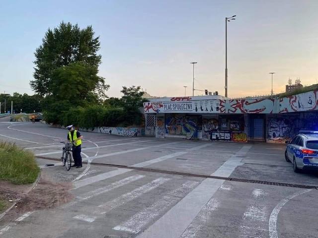 Przejście podziemne pod placem Społecznym we Wrocławiu w którym doszło do wypadku rowerzystki.