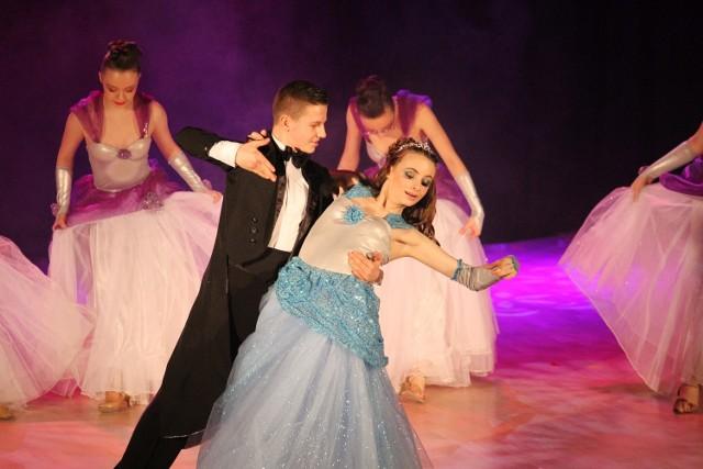 Młodzi artyści zachwycili publiczność umiejętnościami taneczno-aktorskimi.