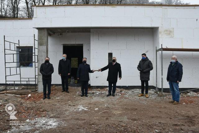 Budowa strefy gospodarczej w Miękini trwa. Uroczystości wmurowania aktu erekcyjnego
