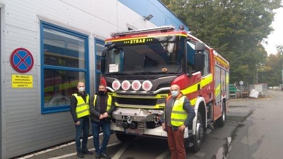Z nowego samochodu ratowniczo – gaśniczego, który przyjechał we wtorek do Zabłudowa, cieszy się 46 druhów z jednostki OSP Zabłudów
