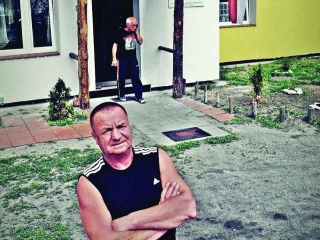 Dąbrowski: - Spotkałem starego kumpla, dawną gwiazdę naszej ligi. Chciał poczęstować mnie denaturatem z butelki. Kilku kumpli nie ma domu...