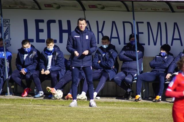 Arutr Węska poprowadził rezerwy Lecha Poznań w 12 spotkaniach. Jego bilans to 3 zwycięstwa, 4 remisy i 5 porażek (13 punktów).
