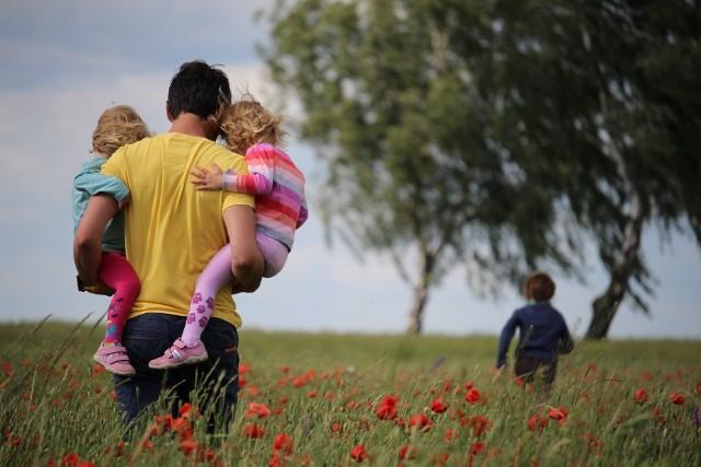 Od sierpnia 2022 zmienią się zasady korzystania z urlopu rodzicielskiego