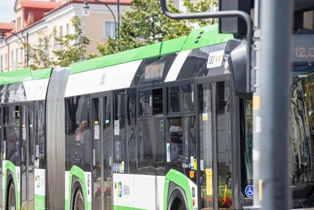 """Od 11 października zmieni się też trasa przejazdu autobusów linii nr 28, które będą kursowały w obu kierunkach ulicami: """"(…) – Włościańska – Piasta – Piastowska -Mieszka I – Słonimska"""" i dalej stałą trasą."""