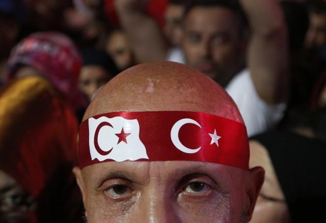 Na ulicach tureckich miast odbywają się wiece poparcia dla prezydenta Recepa Tayyipa Erdogana