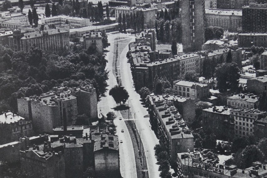 Tak z lotu ptaka wyglądał Plac Pokoju. Gdyby ktoś nie wiedział, gdzie się znajduje to podpowiadamy, że w okolicy ul. Uniwersyteckiej i ul. Rewolucji 1905 roku