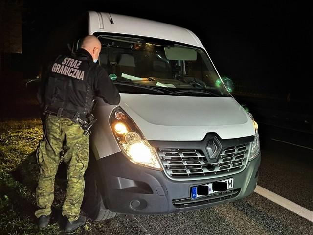 Renault master został skradziony kilka godzin wcześniej na terenie Niemiec.