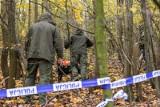 Zwłoki w lesie koło Łodzi. Policjant przyczynił się do śmierci mężczyzny. Policjanci z zarzutami po interwencji domowej 14.04.2021