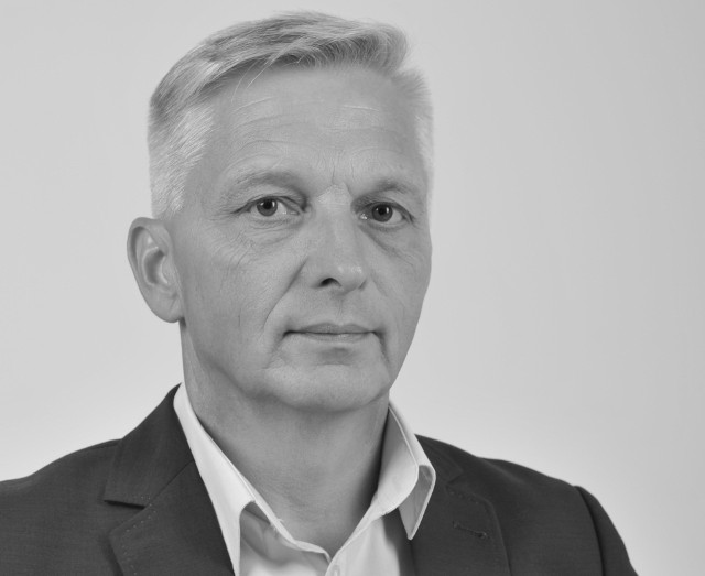 Wicestarosta oświęcimski ogłosił w powiecie żałobę, po śmierci starosty Marcina Niedzieli. Odszedł 17 września po długiej i ciężkiej chorobie, z którą heroicznie walczył od wielu miesięcy.