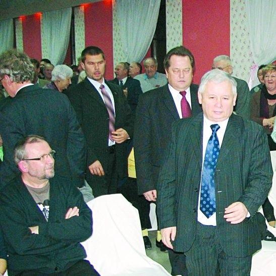 Na Jarosława Kaczyńskiego czekał w Suwałkach (ponad godzinę) tłum ludzi