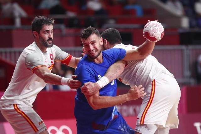 Nedim Remili podczas meczu Francja - Hiszpania.