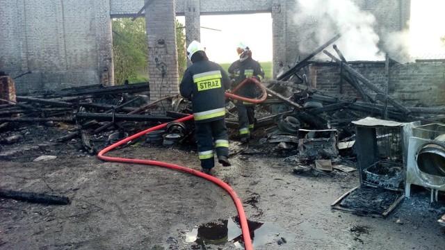 Z ogniem walczyło 13 jednostek strażaków.