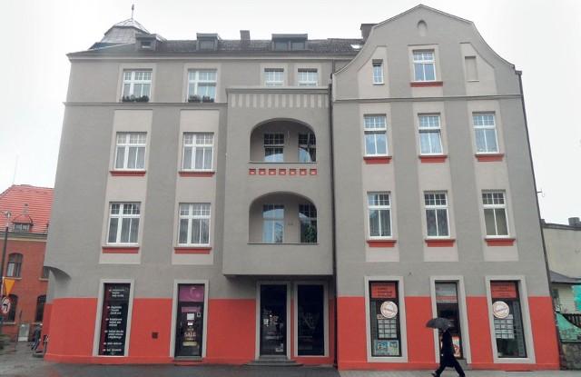 Gmach u zbiegu ulic Korfantego i Zamkowej