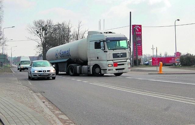 Nowa nawierzchnia na drodze nr 22 w Malborku tylko na pierwszy rzut oka nie wygląda źle