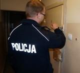 Wtargnął do domu, ukradł telefon i zaatakował kobietę