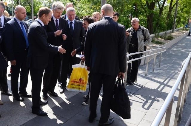 Premier Donald Tusk odwiedził poznański dworzec kolejowy