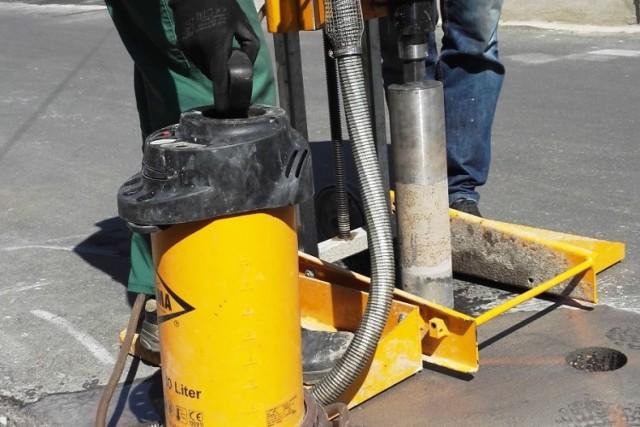 Pobieranie próbki asfaltu
