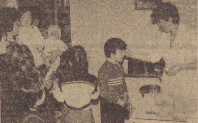 Podawanie płynu Lugola w ośrodku zdrowia w Świeszynie koło Koszalina