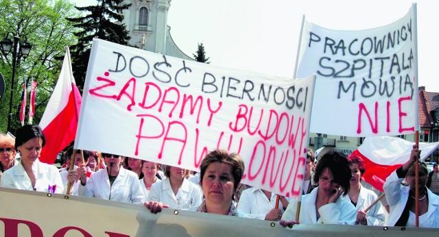 200 osób przeszło ulicami papieskiego miasta w obronie wadowickiego szpitala. Chcą organizować marsze do skutku