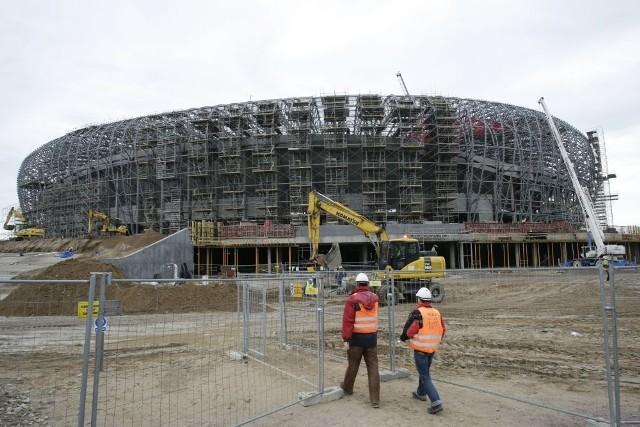 Gdański stadion rośnie. Zdjęcia wykonano 15 listopada 2010 r.